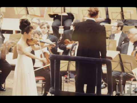 Kyung Wha Chung - Brahms Violin Concerto Mov. 1 Part 1/3