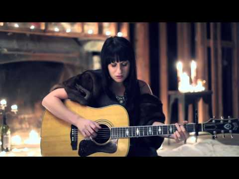 Download  Caitlyn Smith // One Gratis, download lagu terbaru