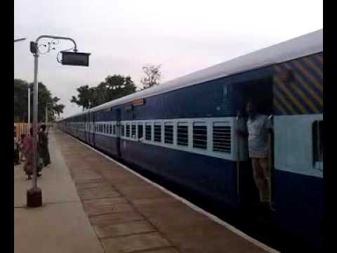 Bangalore Nagore Fast Passenger at Cuddalore Port Junction