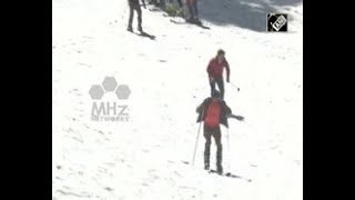 India News - India's northern hill resort offers skiing lessons to ski lovers
