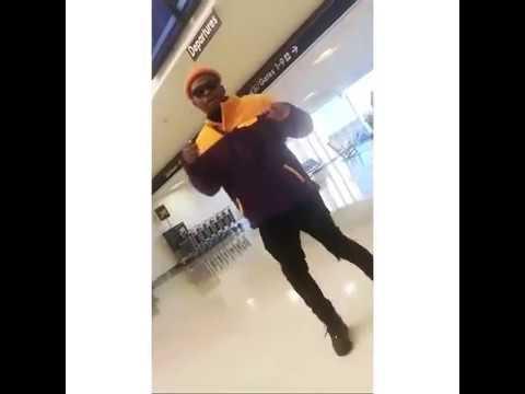Olamide Badoo Teaches How To Dance Shaku Shaku Dancestep - YouTube