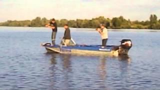 Двухметровый сом, 80кг. Рыбалка в Татарстане(самое интересное во второй половине ролика, поймали сома 80кг., 2013-11-15T16:30:12.000Z)