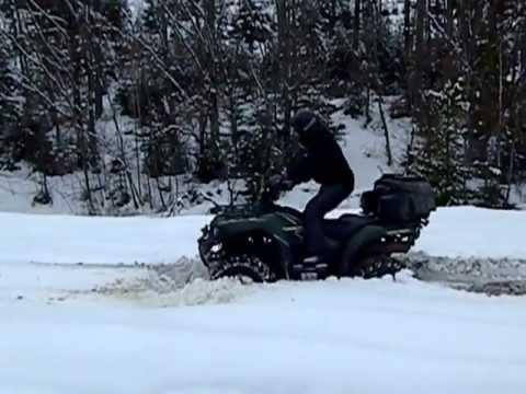 Kawasaki Brute Force 650 4x4 - тест драйв в снегу по колено