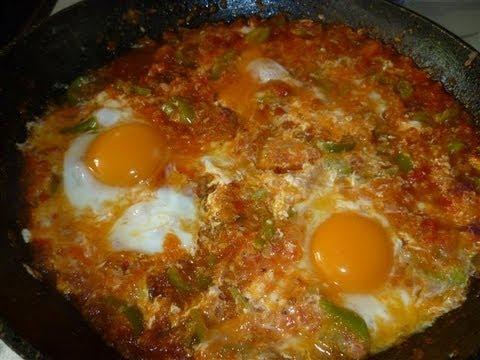 Tomaten/Paprika Pfanne mit Eier - Türkische Rezepte-Menemen - YouTube