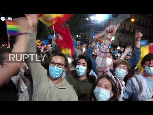 Spain: Thousands celebrate on the streets after People's Party win Madrid elections