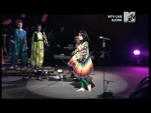 Björk - Pluto (live at Roskilde Festival, 2007) (5/6)
