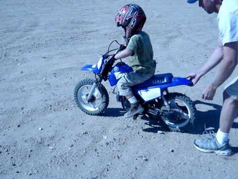 3 Yrs Old And Riding Dirt Bike W O Training Wheels Kinda Youtube