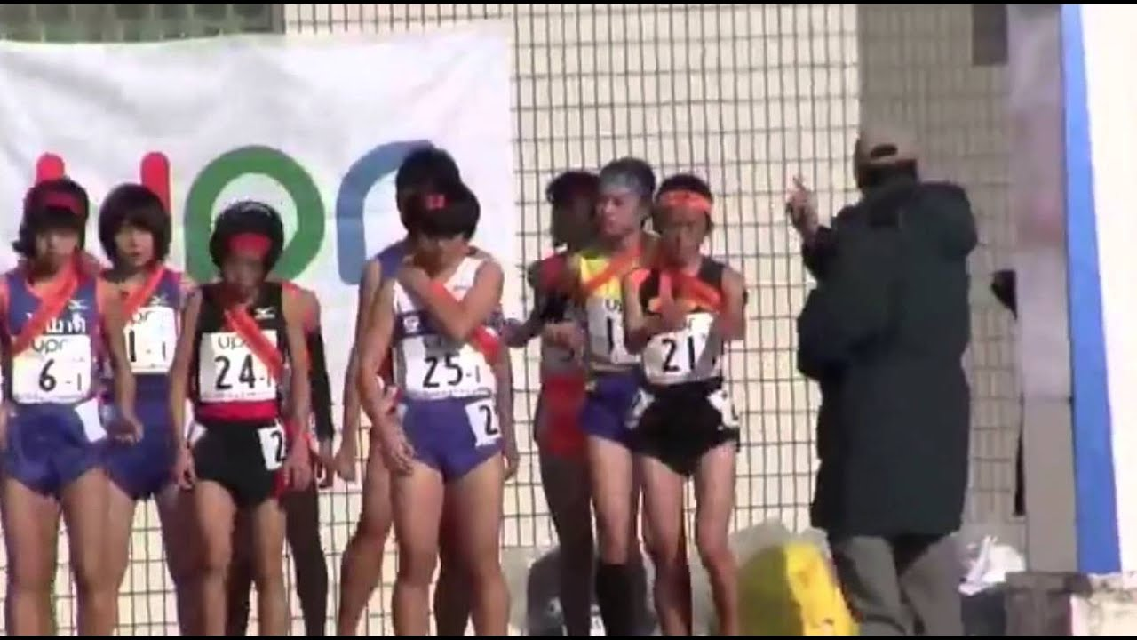 【エロ注意】駅伝選手が前かがみになっておっぱいポ(loli)ロリ