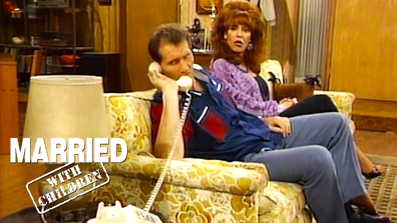 Is Al Having An Affair? | Married With Children