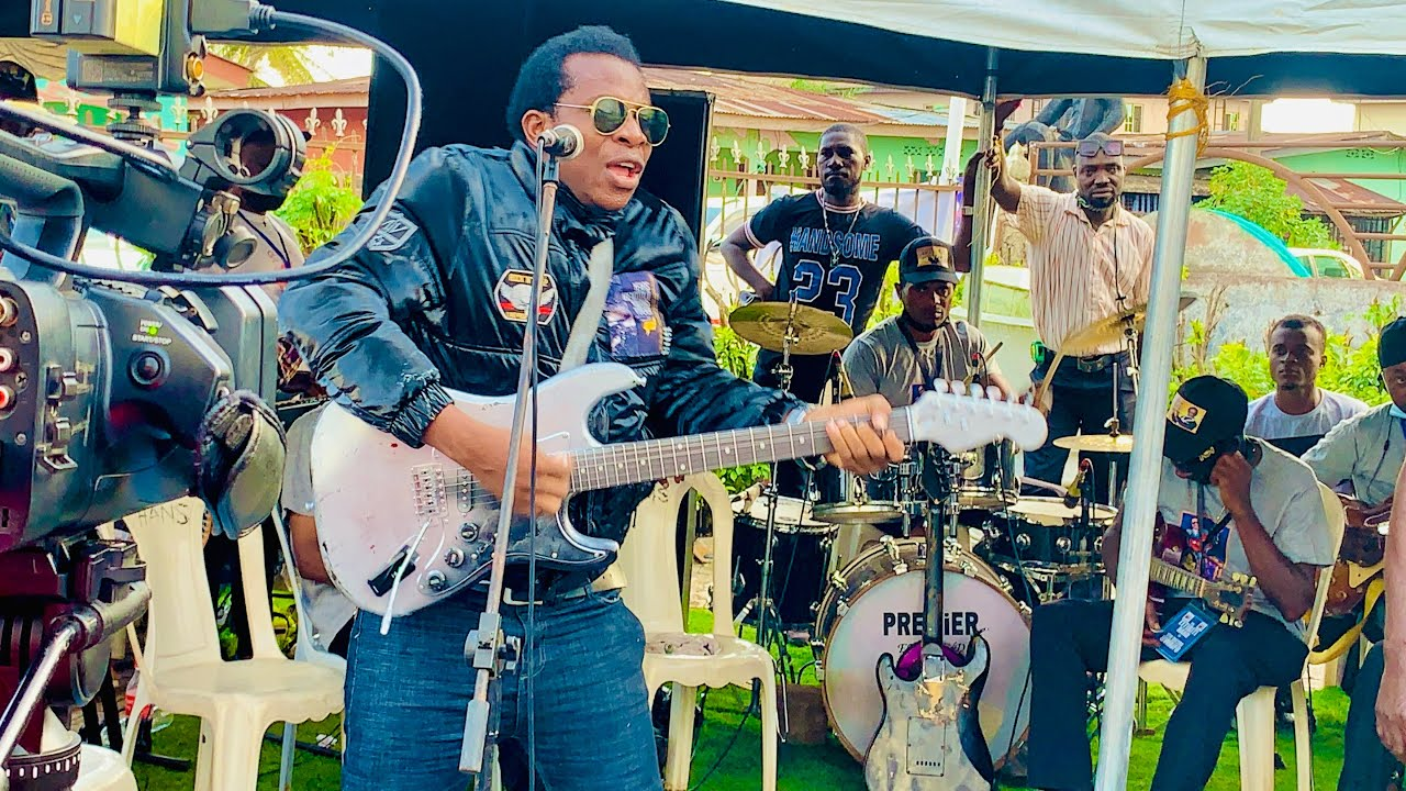 Download Uwaifo junior at sir Victor uwaifo burial