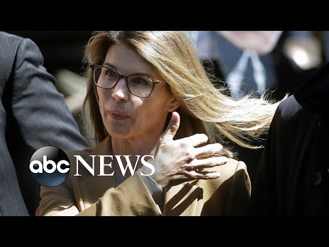 Lori Loughlin 'panicking' before court appearance: Report | ABC News thumbnail