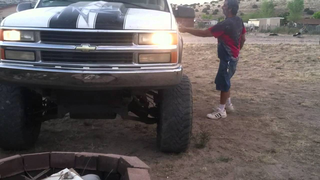 Tahoe 98 chevy tahoe lift kit : chevy 2000 with 10 inch lift - YouTube