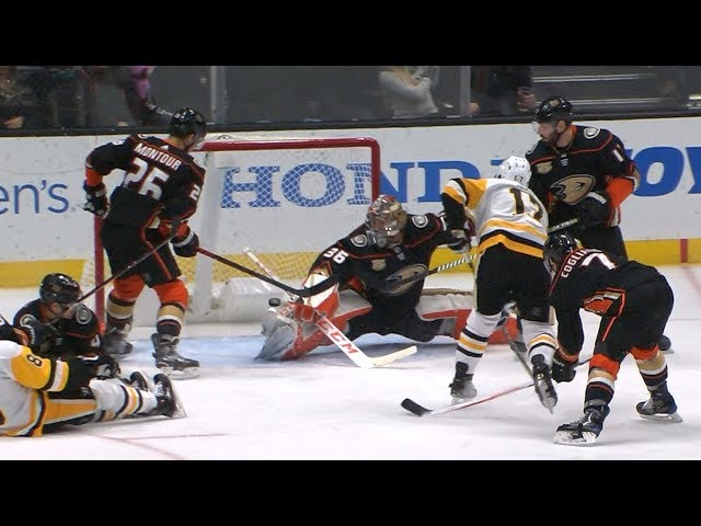 John Gibson stuffs Bryan Rust with excellent pad save