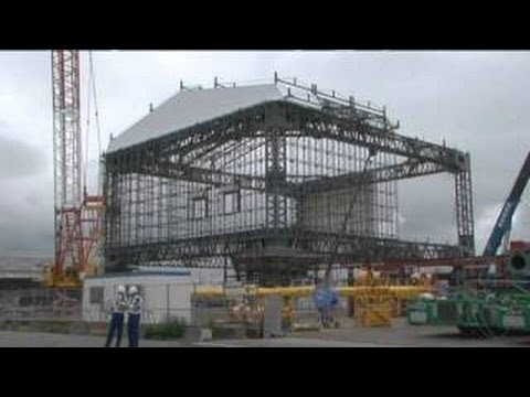 Unit 1 of Fukushima Daiichi Nuclear Power Station Construction work of cover panels around - 2017