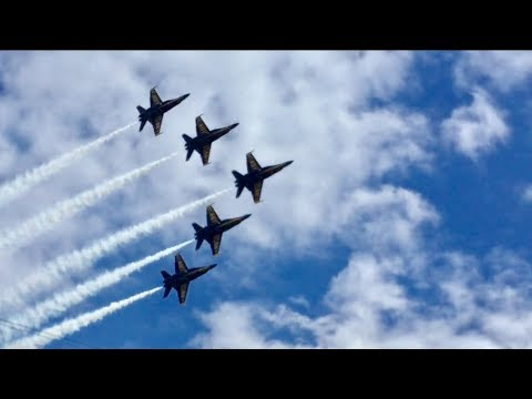 BA20170526 Blue Angels at Millville New Jersey with comms