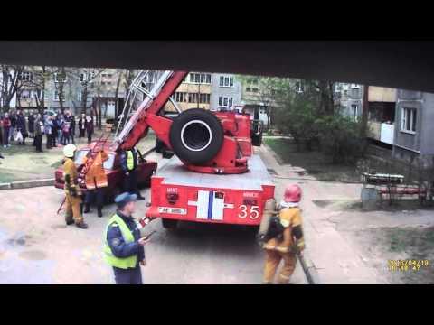19 04 2016, Минск, ул Голубева 26 корп 1   пожар в подъезде