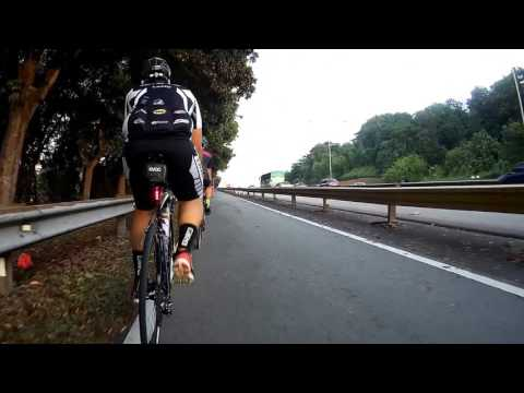 Kuala Lumpur Cycling: Federal Highway Bike Lane Part 2