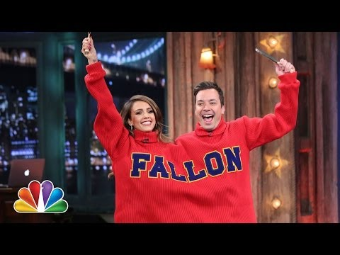 Double Turtleneck Ping Pong with Jessica Alba (Late Night with Jimmy Fallon)