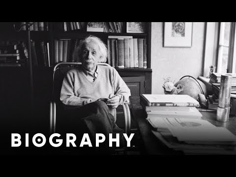 Albert Einstein - Nobel Prize Winner & Physicist | Mini Bio