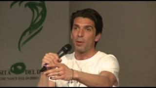 Sermig - Gigi Buffon all'Università del Dialogo