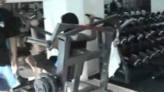 Maquinaria para Gimnasio Fabricado por Humbert gym-02 thumbnail