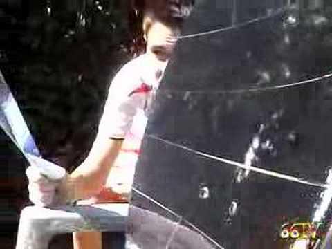 Concentrateur solaire parabolique cologique youtube for Miroir solaire parabolique