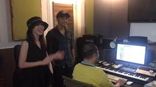 Hạn hán lời khi Thu Trang, Tiến Luật, Diệu Nhi và các nghệ sĩ hài hát mừng Xuân