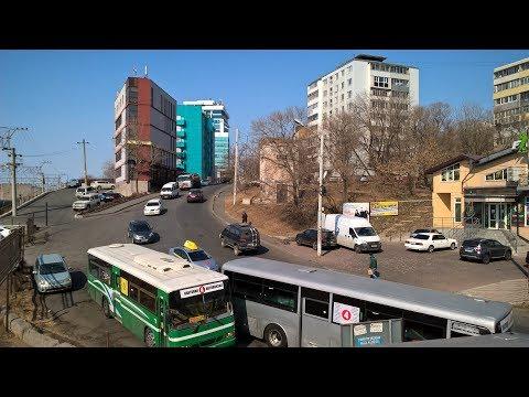 ул. Русская , рынок , зимнее море . Владивосток