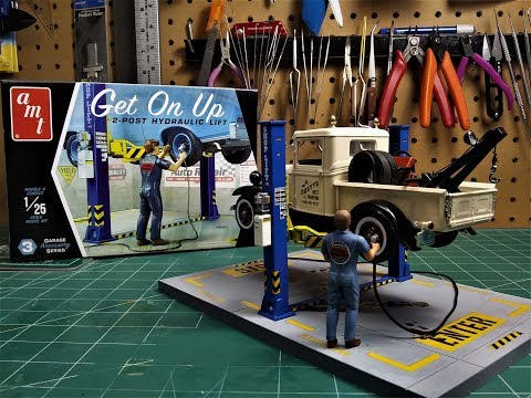 amt-garage-accessory-get-on-up-car-lift-1/25-scale-model-kit-build-review-amtpp017m