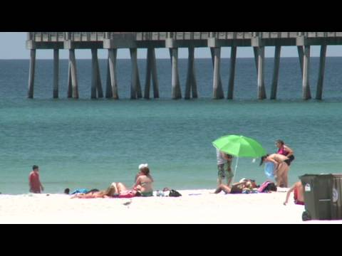 Oil spill soaks Gulf Coast tourism