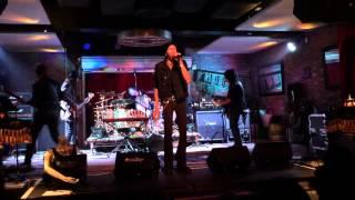 "DUG PINNICK (KINGS X, KXM) performing ""FIRE"" 2/11/15"