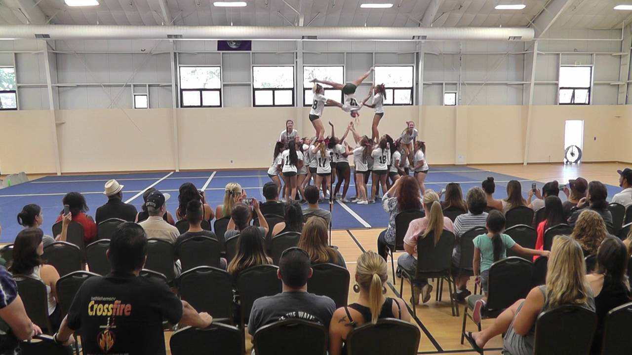 00174ea4e Canyon Varisty Cheer 16-17 camp pyramid - YouTube