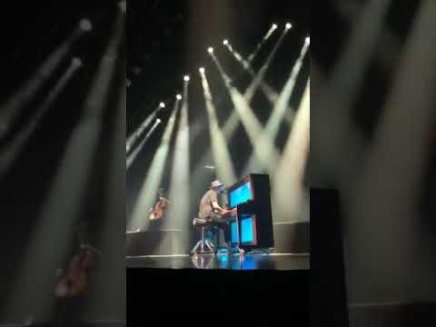 OneRepublic - Apologize (live in Shenzhen)