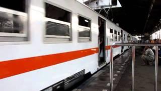 KRL JABOTABEK Bekasi線 エコノミー列車
