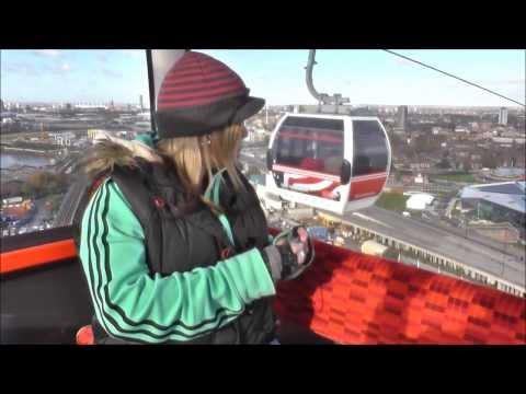 22-11-13 - Emirates Air Line & Charlie & The Chocolate Factory