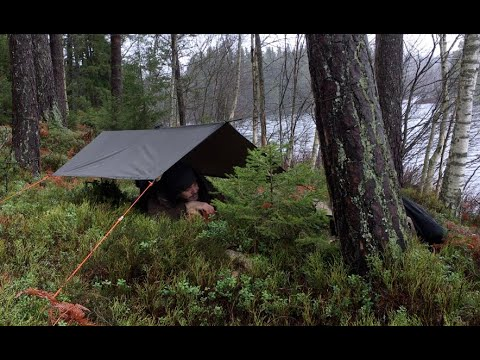 24 HOURS - Bushcraft poncho shelter overnighter - winter camping by a lake - cold and wet weather