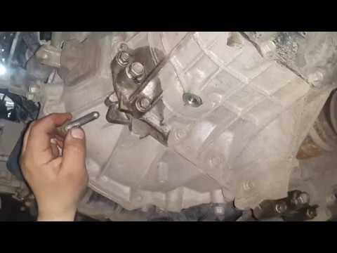 Фото к видео: Замена масла в механической коробке передач Hyundai Solaris и Kia Rio