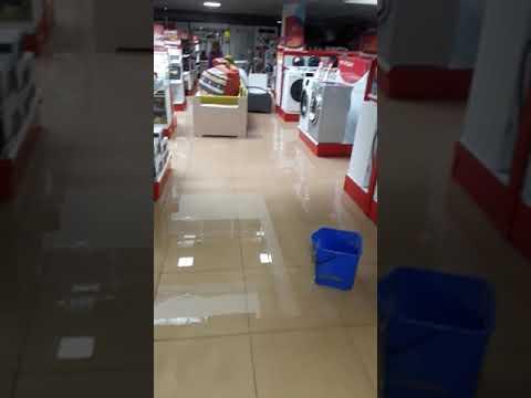 """""""Наводнение"""" в гипермаркете """"Премьер """" в Тюмени."""