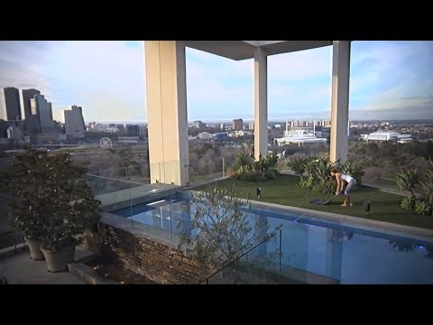 Penthouse The Melburnian with exceptionally large roof terrace with pool- Melbourne Australia
