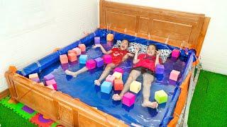 Dễ Dàng Làm Bể Bơi Tại Nhà ❤ Ngủ Trên Bể Bơi Bằng Chiếc Giường - Trang Vlog