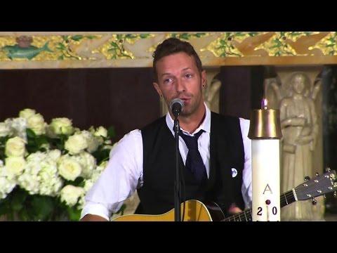 Coldplay's Chris Martin plays at Beau Biden funeral