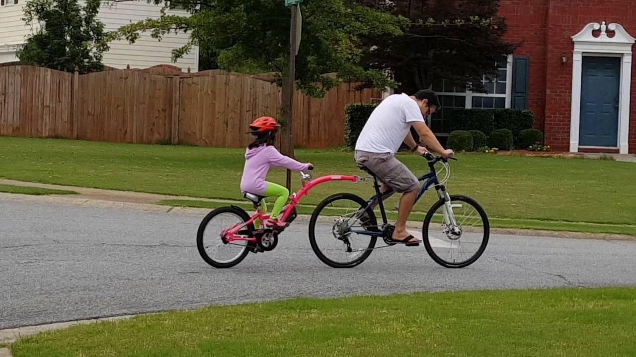 16ebe3a0384 The WeeRide Co-Pilot Bike Trailer. - YouTube