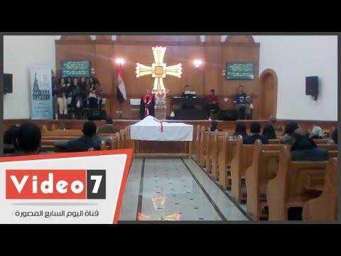 أول قداس للكنيسة الإنجيلية بالمنيا بعد 4 أعوام من حرقها على يد الإخوان