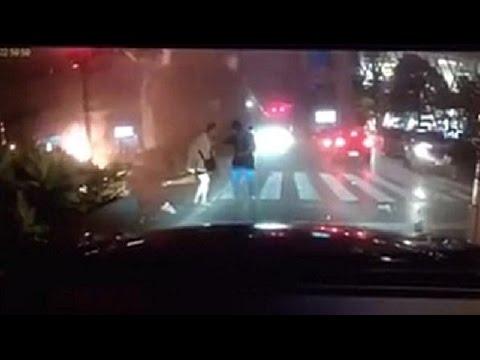คลิป วินาที บึ้ม!!สนั่น แยกราชประสงค์ จากกล้องหน้ารถ Dead 19 Injure 123