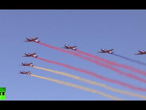 RAW: Gorgeous stunts by China aerobatic teams