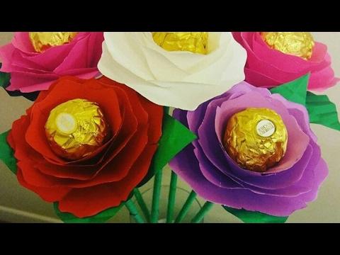 8f9c0ce236b FLORES DE PAPEL CON CHOCOLATES PARA SAN VALENTIN🌹 RAMO DE FLORES CON  CHOCOLATE - YouTube