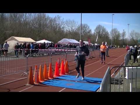 Ekiden Zwolle 2013 Deel2 vanaf 35m tot 2u35m ondertiteling lopernaam en tijd