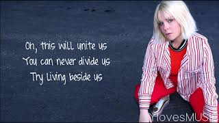 Hanne Leland - Underdogs (Lyrics)
