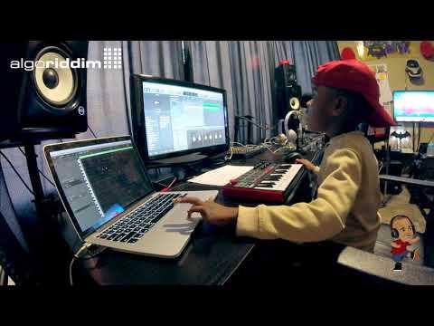DJ Arch Jnr Creating A Nursery Rhyme Using Logic Pro (6yrs old)