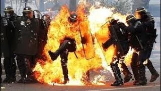 РАЗРУШИТЕЛЬНЫЕ ПРОТЕСТЫ ВО ФРАНЦИИ-Макрон отреагировал на насилие в ходе протестов в Париже-Новости